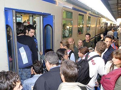 treno_pendolari_esterno_web-400x3001 (1)